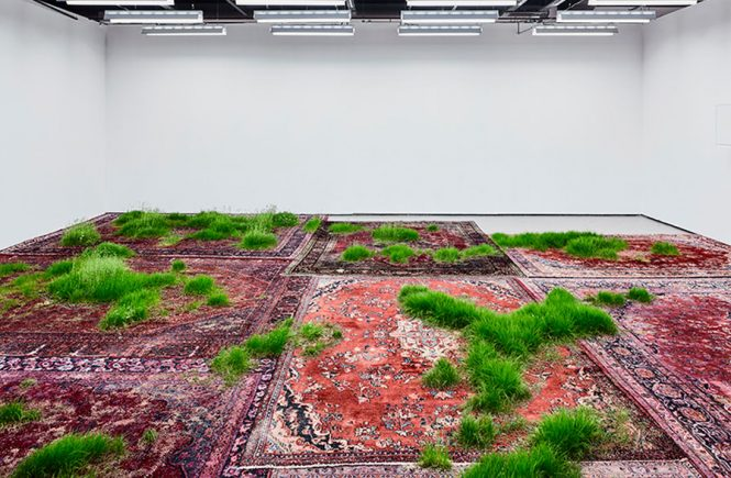 Martin Roth, Persian rugs, installation Korean Cultural Centre Designboom, 2016 tappeto cosa contemporary sacred art