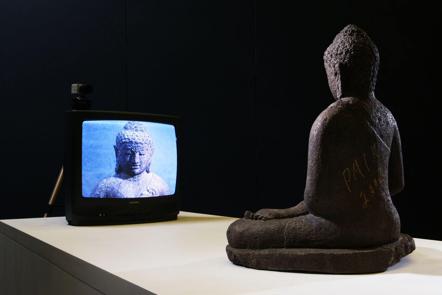 Nam June Paik, TV Buddha, 2002